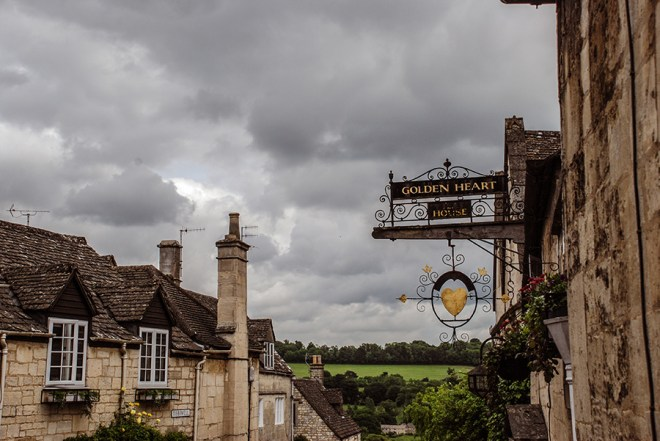 Cotswolds - Painswick - Golden Heart House - English countryside