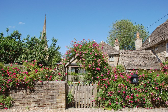 Cotswolds_Churches and Roses