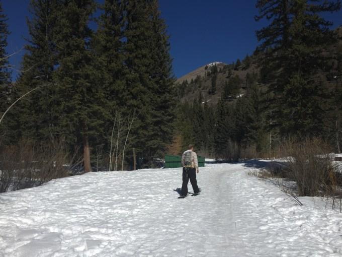 SnowshoeingAdventure-2web