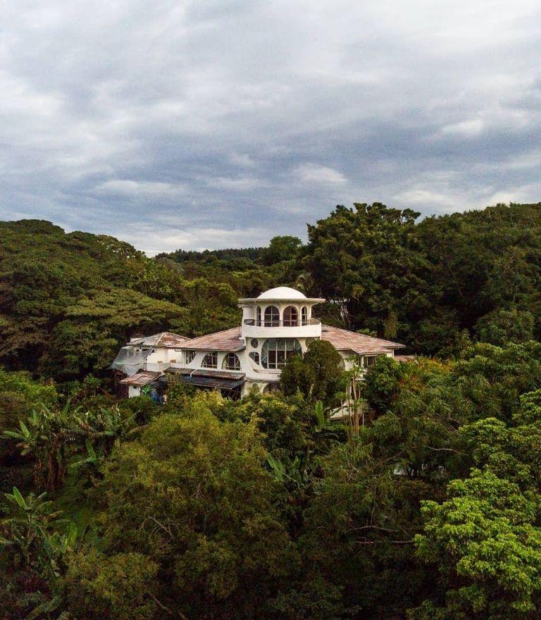 hotel building in nature costa rica