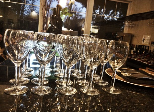 winedinner_glasses