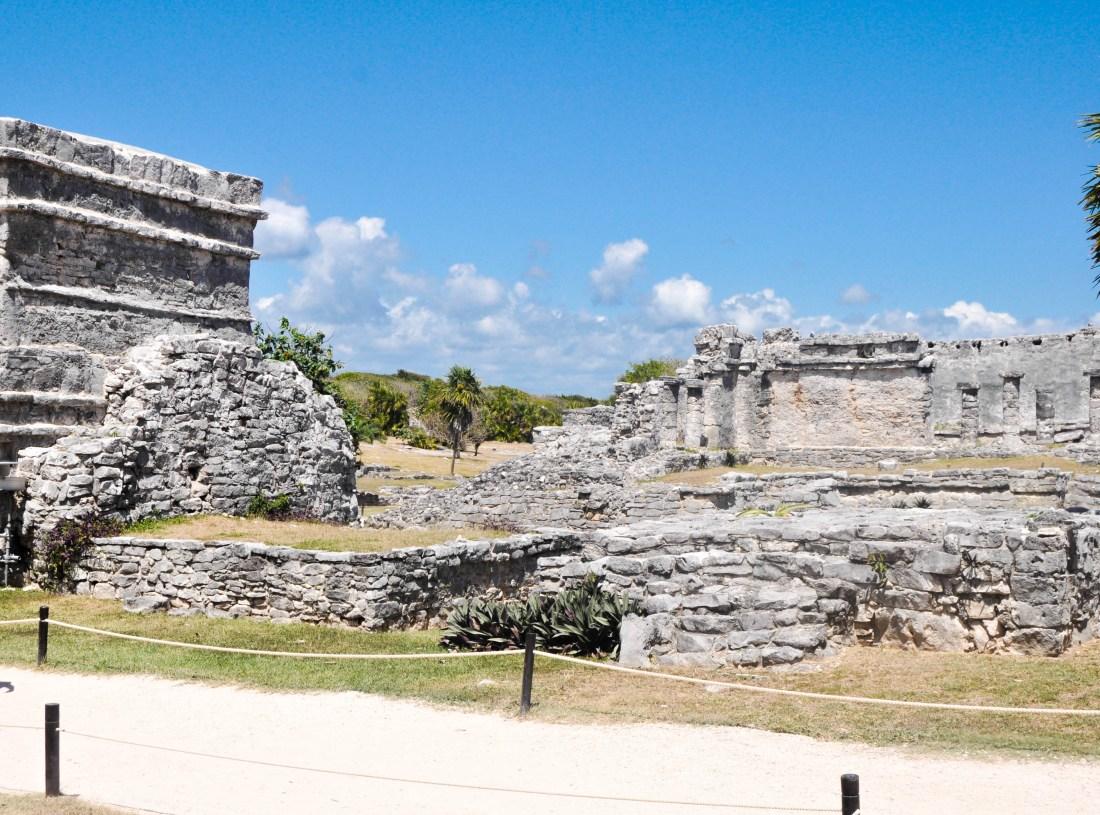ANCIENT-MAYAN-RUINS-TULUM-MEXICO-HAUTEMOMMIE-TRAVEL-BLOG