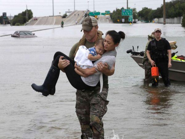 hurricane-harvey-rescue-3-ap-jt-170827_4x3_992