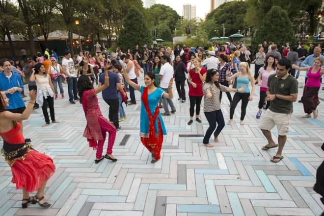 Chicago-Grant-Park-Summer-Dance-Weeknight