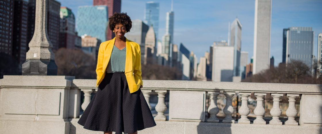 Girl-yellowblazer-downtown-chicago