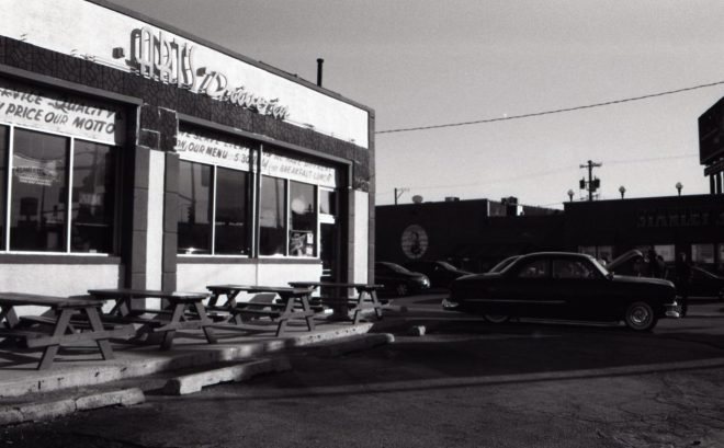 Black and white photo of Arts Diner in Chicago. Photo taken by Taylor Justin.