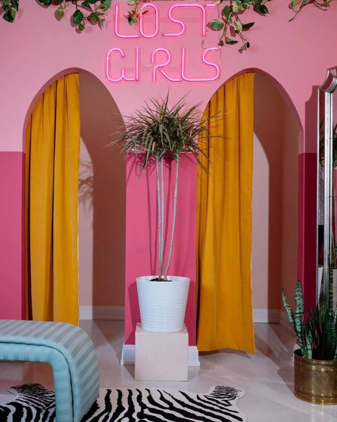 Lost Girls Vintage Interior-Chicago Shops-featured on The Haute Seeker