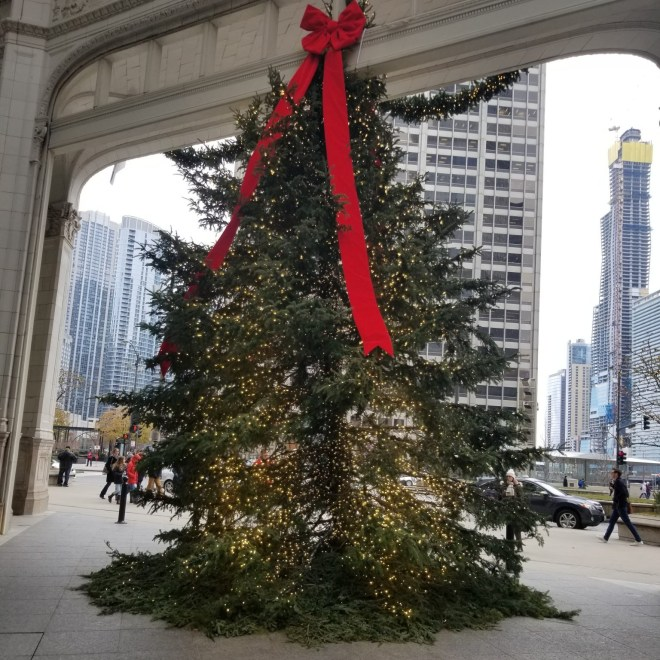 Christmas Tree on 400 Michigan Avenue in Chicago as featured on The Haute Seeker