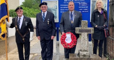 Local councillors lay wreaths to celebrate 100 Birthday of the Royal British Legion.