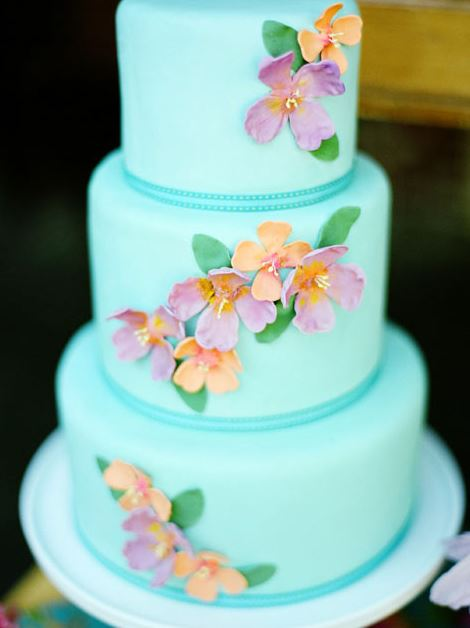 10 Hawaiian Style Wedding Cakes   The Hawaiian Home Hawaiian Wedding Cake via      turquoise tropical cake