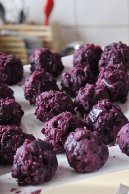 red cabbage dumplings