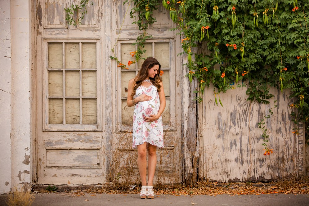 @PhotographerAmy Elizabeth Birdsong Photography Downtown McKinney Maternity Photo session-71