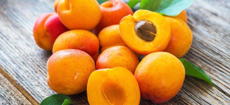 Apricot_benefits_HEADER