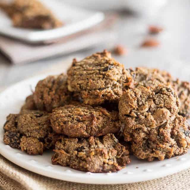 N'Oatmeal Cookies – The Paleo Response to Oatmeal Cookies!