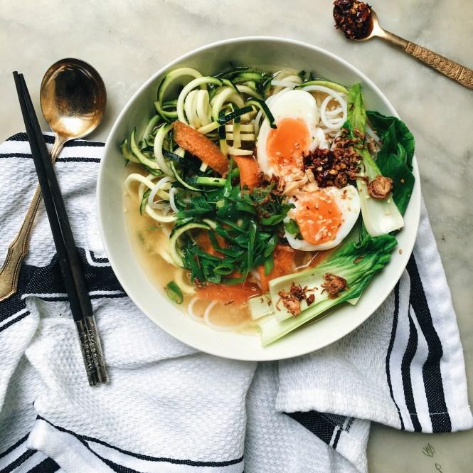 Quick and easy vegetarian ramen 6