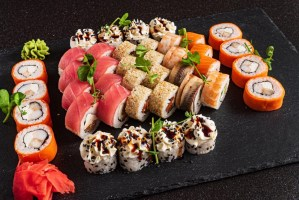 Read more about the article Is Sushi Keto or Not? (How to stay Keto When Eating Out)