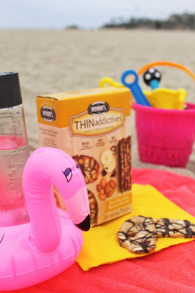 3 Ways to Relax Outside this summer with Nonni THINaddictives biscotti