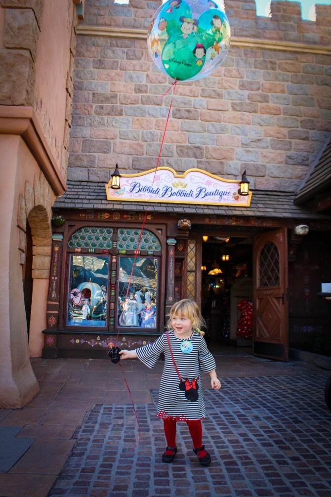 Idee i wskazówki dotyczące świętowania z okazji urodzin w Disneyland Resort