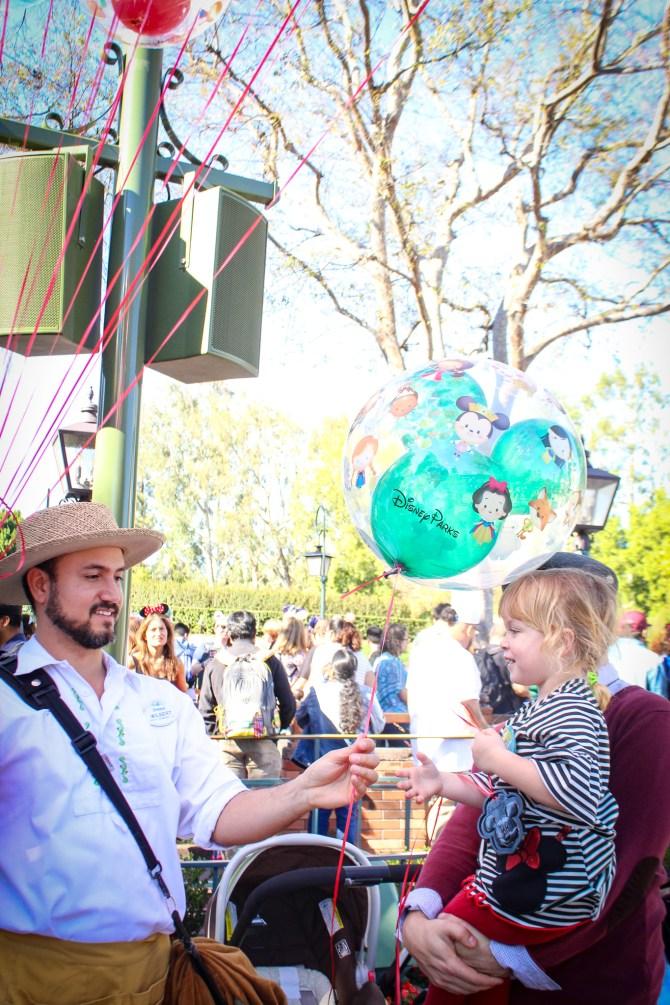 Idee i wskazówki dotyczące świętowania urodzin w Disneyland Resort