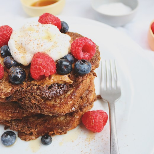 This easy vegan French toast is so easy it can be made in 5 minutes. It's healthy, tender and crispy made with flax, almond milk and gluten-free bread.