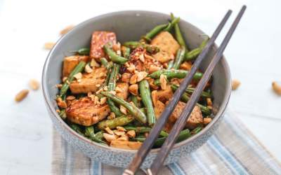Green Beans with Tofu & Roasted Peanuts