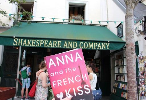 shakespeare and company - theheartofabookblogger