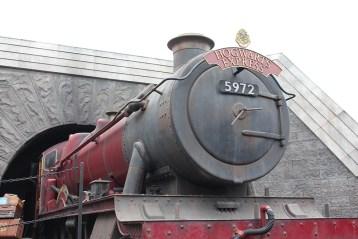 hogwarts express- theheartofabookblogger