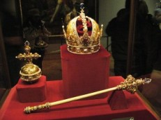 Sceptre_and_Orb_and_Imperial_Crown_of_Austria Wikipedia photo by Michal Maňas