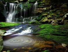 http://commons.wikimedia.org/wiki/File:Elakala_Waterfalls_Swirling_Pool_Mossy_Rocks.jpg
