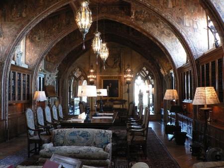 http://en.wikipedia.org/wiki/File:Heast_Castle_library_p1080553.jpg