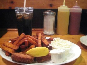 Crab cakes, sweet potato french fries, cole slaw, tartar sauce, Cola - Wikimedia - Share-alike License