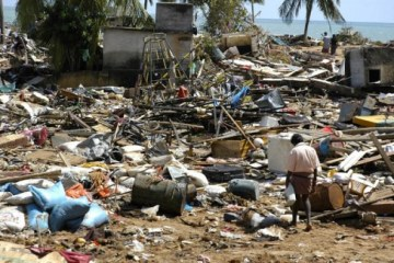 http://commons.wikimedia.org/wiki/Category:Effects_of_the_2004_Indian_Ocean_tsunami_in_Malaysia