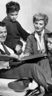 https://commons.wikimedia.org/wiki/File:Cleaver_family_Leave_it_to_Beaver_1960.JPG
