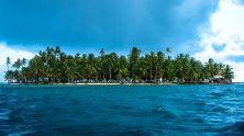 https://commons.wikimedia.org/wiki/File:Island_of_Chichimen,_Cuyos_Limones,_Guna_Yala,_Panama.jpg