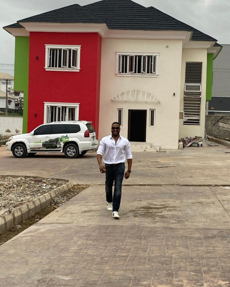 Actor, Bolanle Ninalowo acquires new mansion in Ibadan (photos)