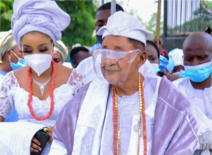 82 years old Alaafin of Oyo picks new wife, Chioma – Watch Video
