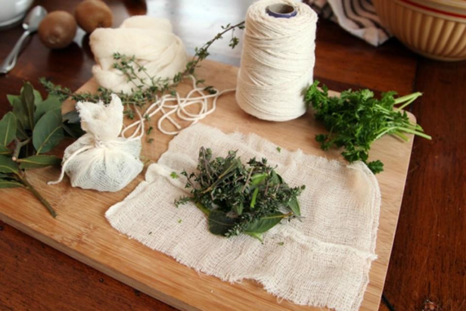 How-to-Make-Bouquet-Garni-Kitchen-Herbs