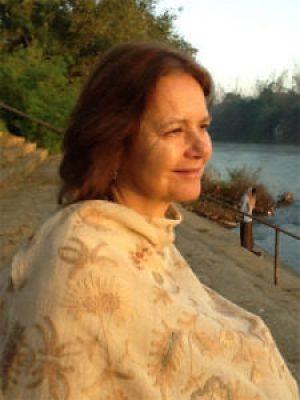 Teacher Feature: Anne McIntyre | Herbal Academy | This month's teacher feature is an interview with herbalist Anne McIntyre where she shares her love for herbs, teaching, and her future plans with us.