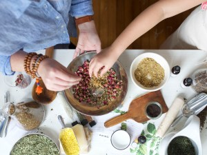 Herbal Academy Herbal Starter Kit - with herbal recipes