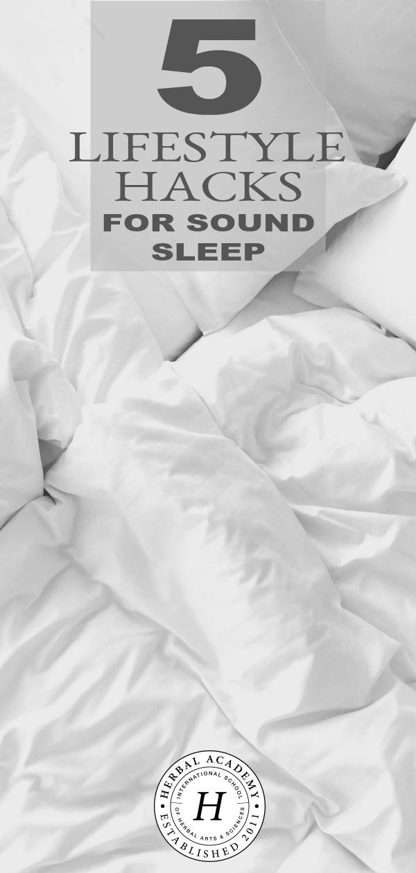 5 stili di vita per il sonno sonoro | Accademia di erbe | Svegliati più riposato, attento, bello e pronto ad affrontare la giornata con questi 5 hack di stile di vita per dormire sonni tranquilli. Il riposo di bellezza è più che una parola d&#39;ordine! &quot;Data-recalc-dims =&quot; 1 &quot;/&gt;</p><p> <b>RIFERIMENTI</b></p><p><span style=