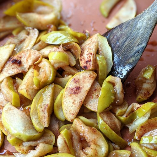 baked apples paleo healthy breakfast ice cream topper