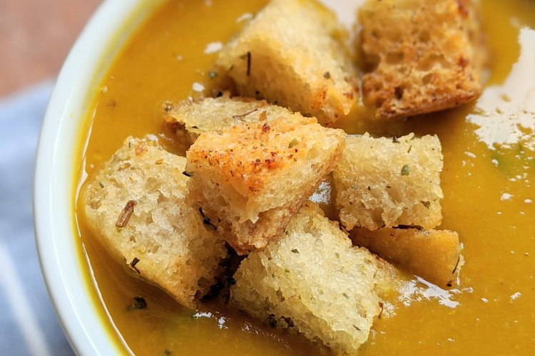 vegan garlic croutons in soup healthy gluten free option dairy free instant pot turmeric soup