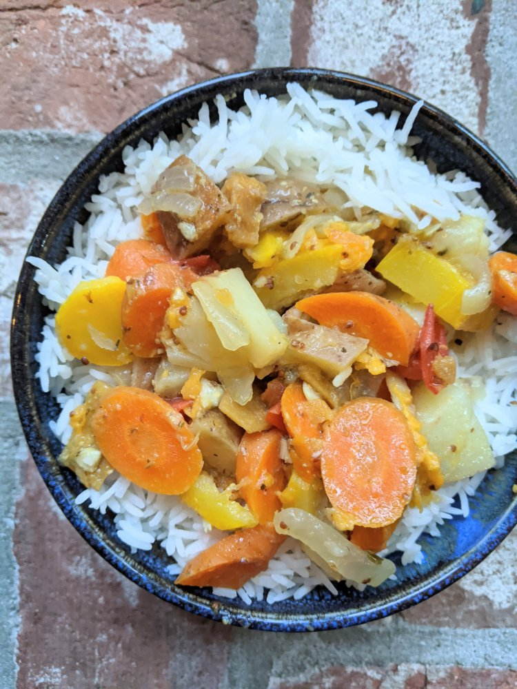 instant pot root vegetable stew recipes with healthy vegan vegetarian ingredients root vegetables carrots potatoes healthy stew soup over rice or pasta noodles french vegetables insant pot pressure cooker