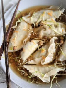 pot sticker soup recipe healthy gluten free vegan easy weeknight meals low calorie dinner ideas