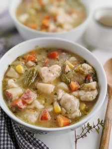 vegan chicken and dumplings soup recipe healthy gluten free options vegetarian meatless veganuary recipes healthy homemade soup cozy vegan recipes