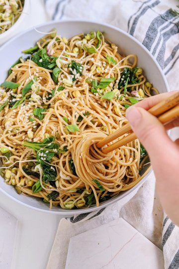 vegan garlic sesame noodles recipe vegan gluten free 15 minutes easy recipes dinners lunches make ahead
