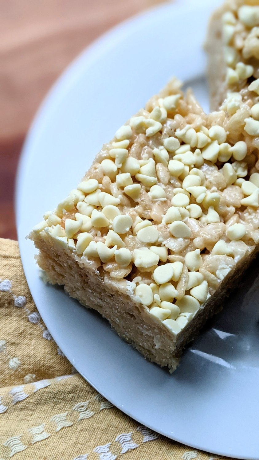 white chocolate rice crispy treats with vegan marshmallows plant based butter white chocolate chips and pure vanilla extract easy homemade rice crispies with white chocolate