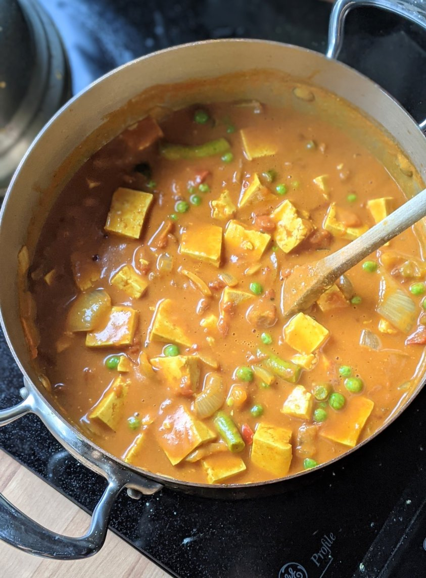 tofu do pyaza recipe indian tofu curry with onions peppers peas tomatoes and spices in a creamy tomato tofu sauce vegetarian indian dinners with tofu