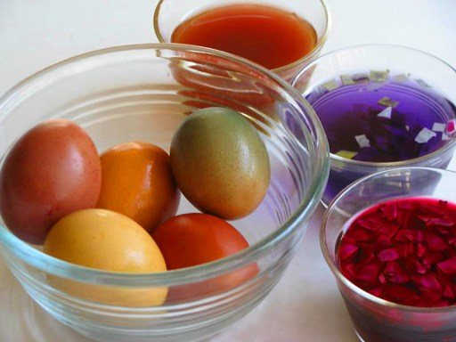 Beautiful Easter Eggs colored with Natural Dyes