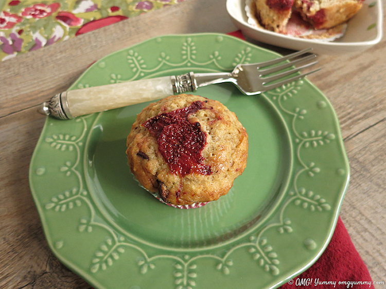 Banana Chocolate Chip Muffins with Roasted Strawberries; © Beth Lee 2016